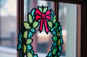 Christmas can still sneak up on you, but just because it's down to the wire doesn't mean decorating is a lost cause!