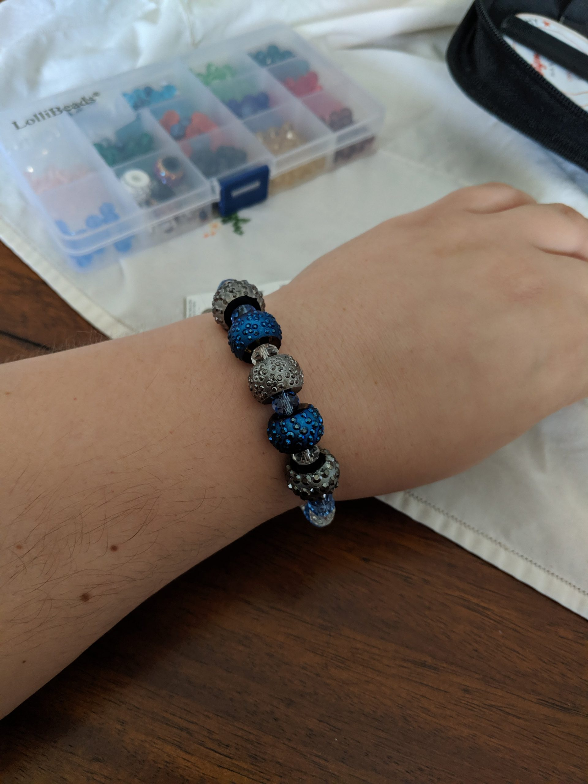 Learn How to Make Gorgeously Stunning Memory Wire Bracelets