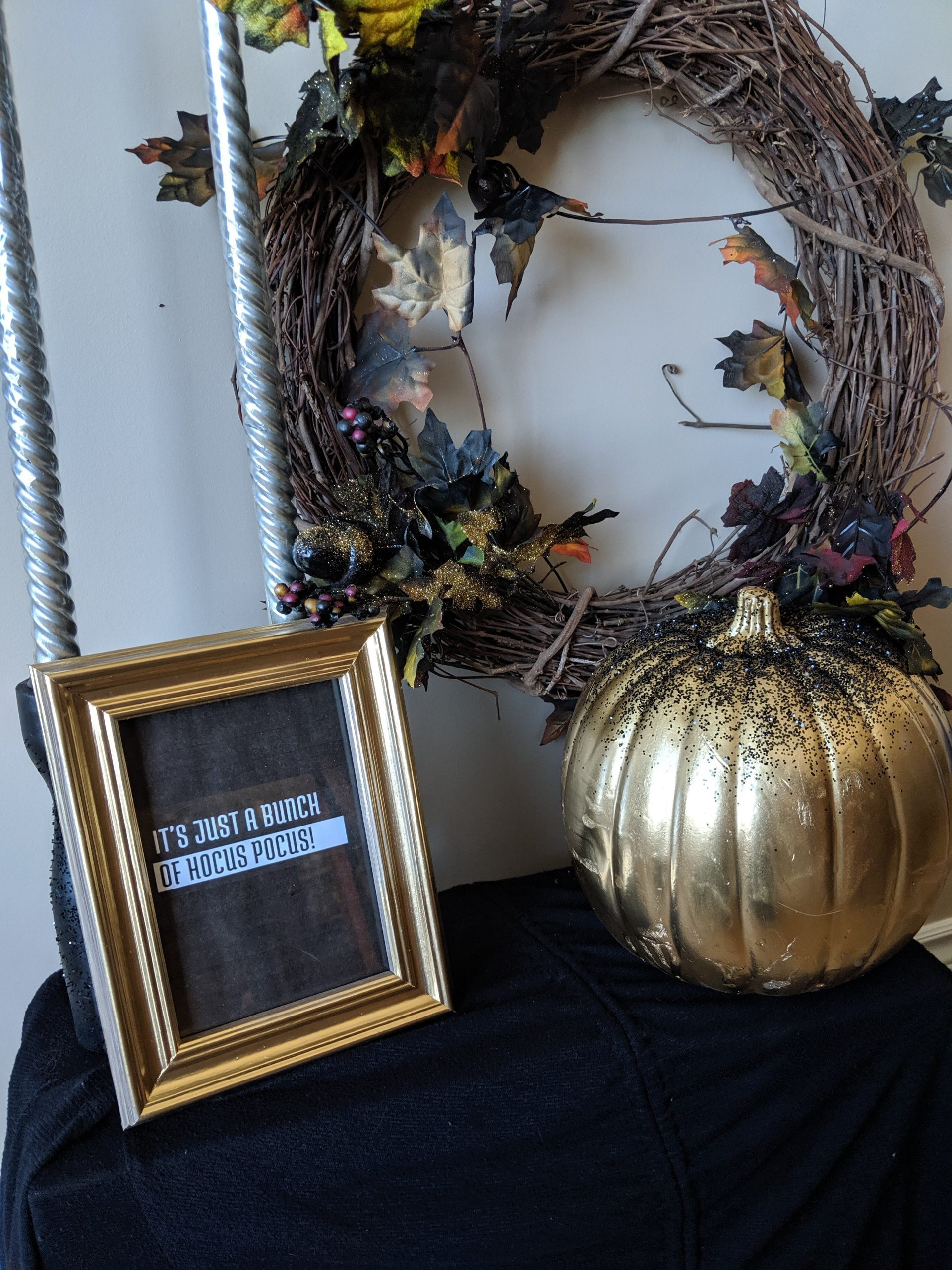 4+ Beautiful Glam Halloween Crafts to Try Right Now