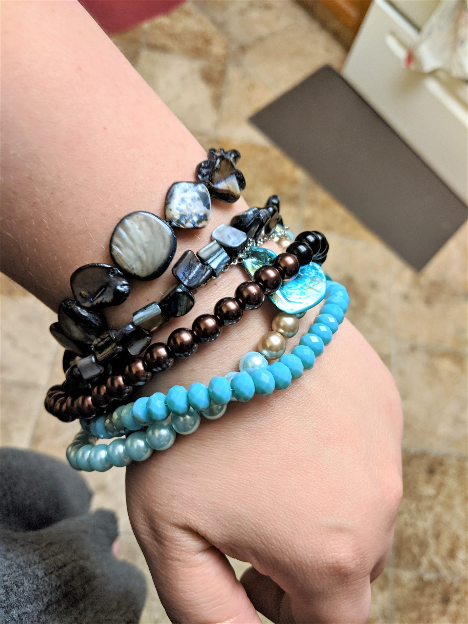How to Make a Gorgeous Multi-Strand Bracelet Quickly
