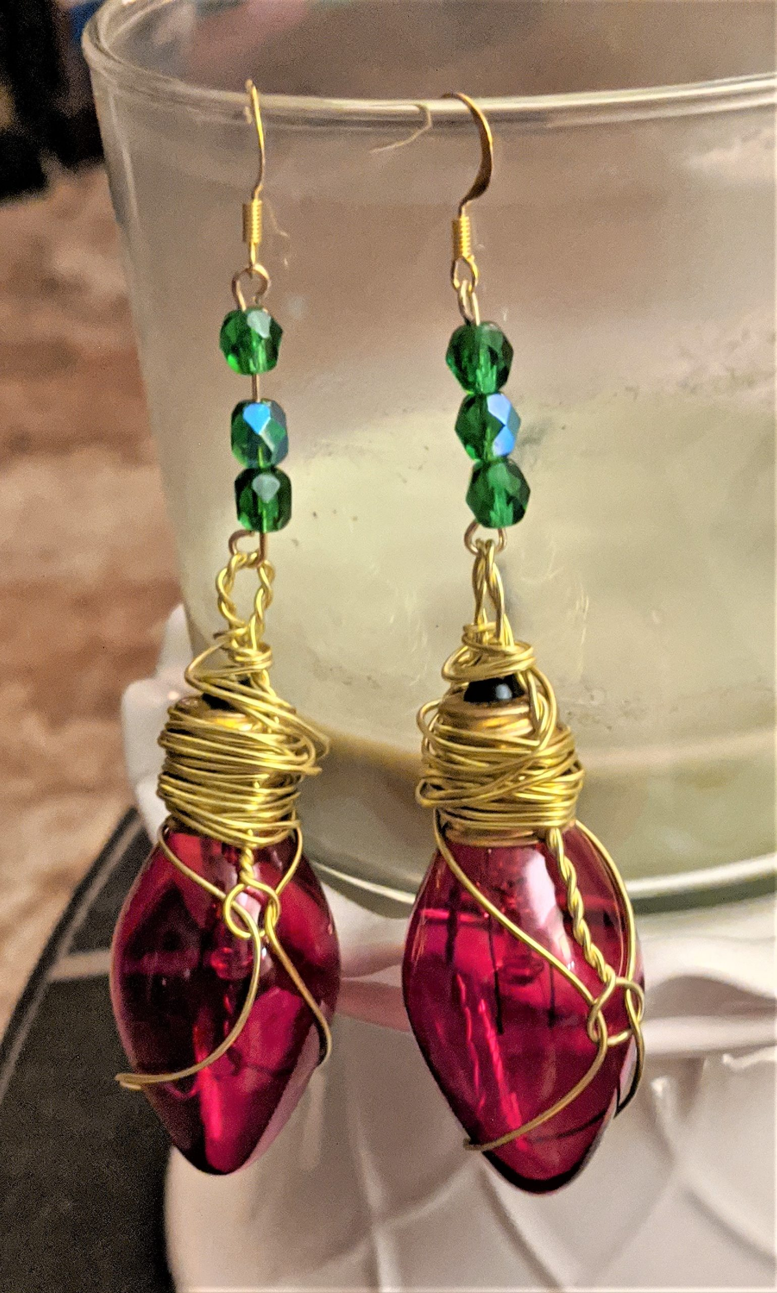 Just for reference, this is what your Christmas Earrings will look like when done!