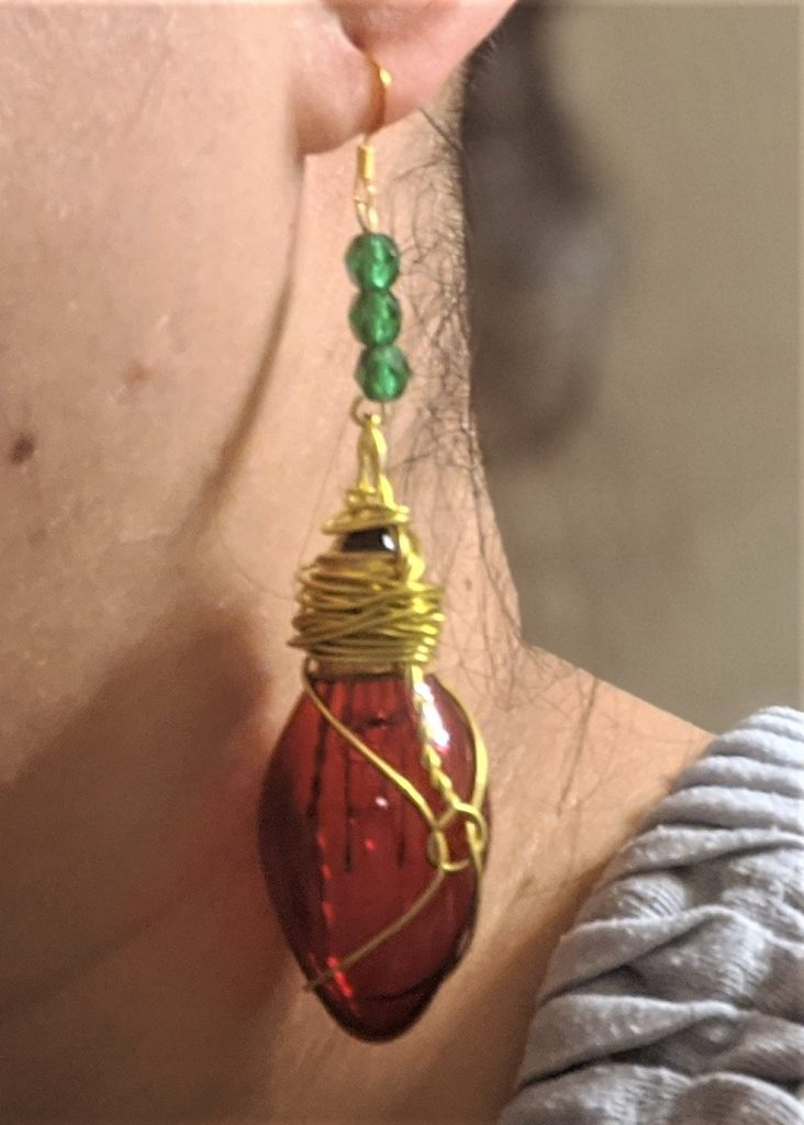 With a little wire-wrapping, you too can have super cool Christmas light earrings!